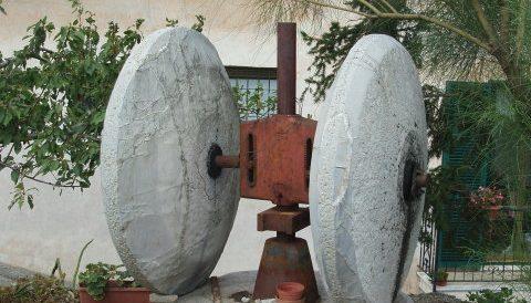 Mühlsteine in Gazzelli